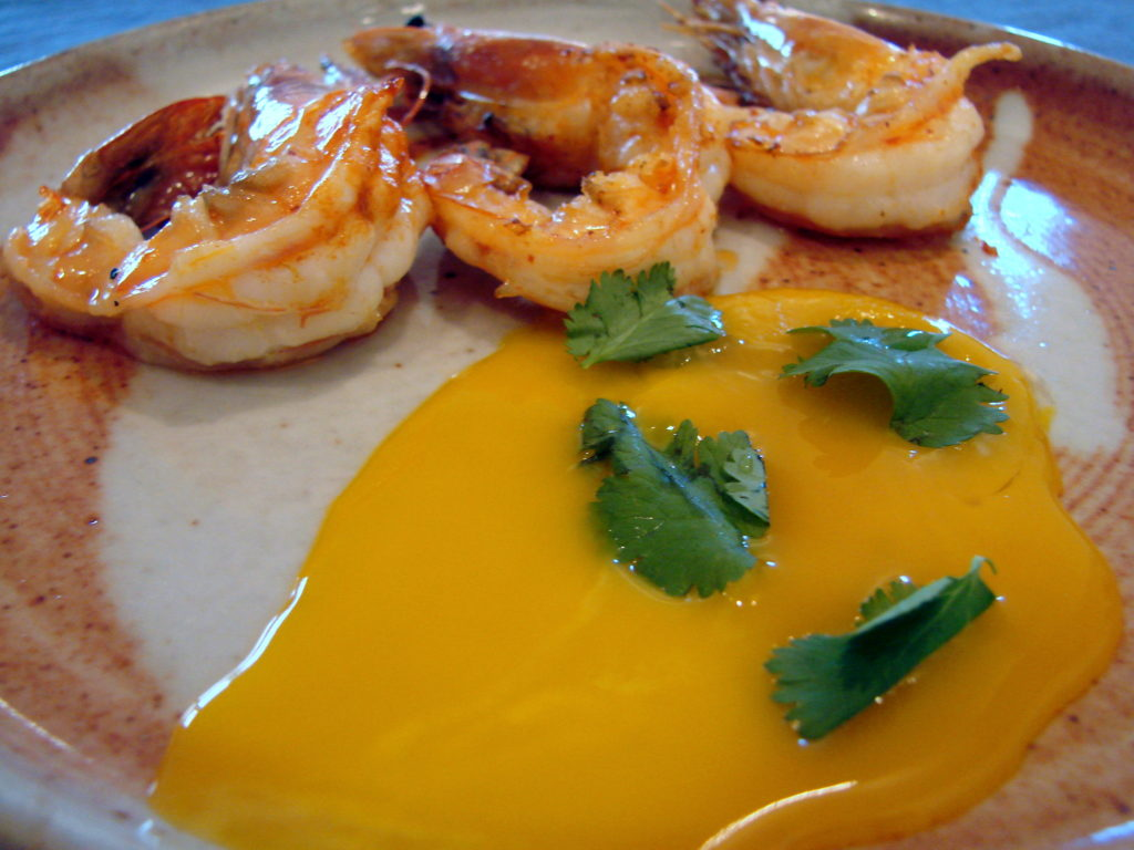 Just dip the shrimp in the egg yolk and enjoy!