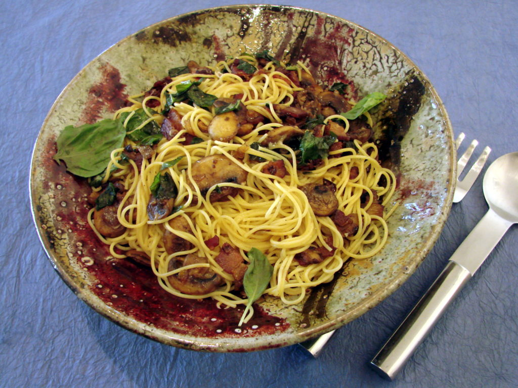 Spaghetti with Mushrooms, Bacon and Basil