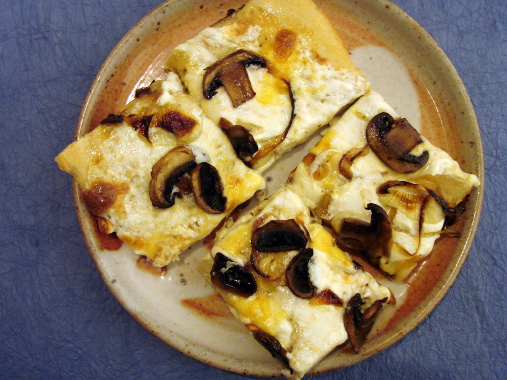 Vegetarian Pizza (Mushrooms and Caramelized Onion)
