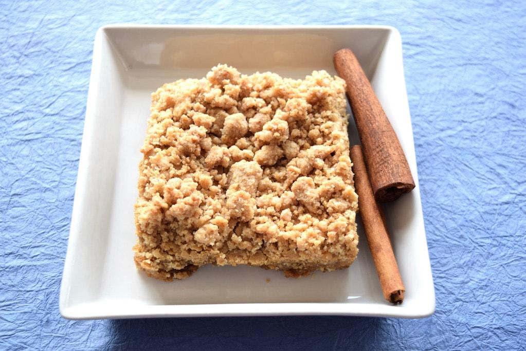 Cinnamon Bars with Sugar-Cinnamon Crumble